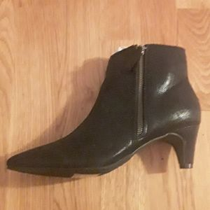 2/$20 BNWT black pointed toe ankle boots